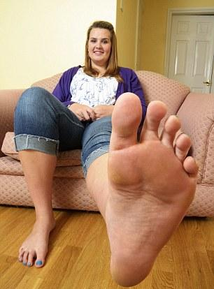 Большие ступни у девушки фото 241-469